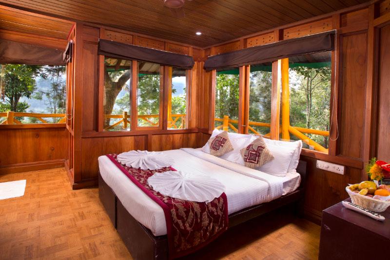 10-treehouseroom1