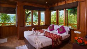 treehousemunnar-room